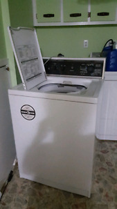 Moving out sale washer tables and chairs twin size bed