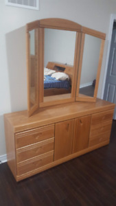 Oak dressing table with large folding mirror
