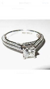 Women's 18kt 1.2ct PRINCESS cut diamond ring.