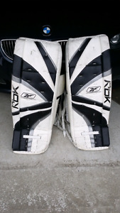 Goalie Pads 34 +1 **FANTASTIC SHAPE**