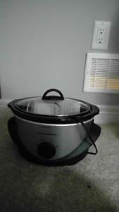 Crockpot (2 available)