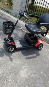 Go Go 4 Wheel Mobility Scooter - Comes Apart very Easy