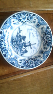 Delft blue vases and plates from the Netherlands