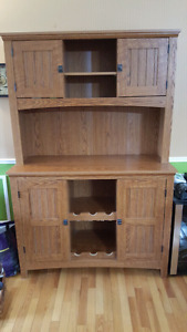 Saunder buffet and hutch for sale