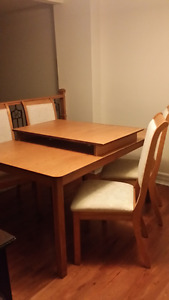 Expandable Dining Room Table and Leaf Solid Wood $70