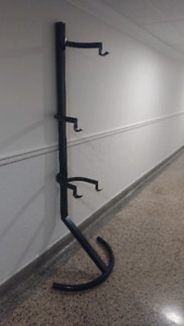 Bicycle hanger/stand