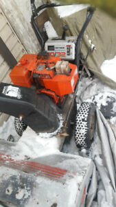 HEAVY DUTY SELF PROPELLED SNOWBLOWER, CAN DELIVER