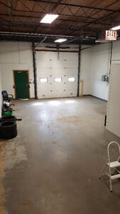 900+ sq feet of indoor, alarmed commercial space (24 hr access)