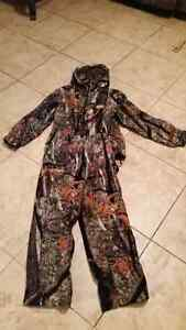 Kids insulated camo hunting clothes Peterborough Peterborough Area image 3