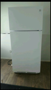 Great Condition- Kenmore white fridge- Located in Airdrie