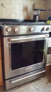 KitchenAid 30 in gas range with 5 burners and convection oven