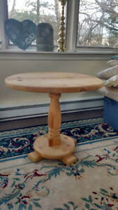 Pine pedestal occasional table
