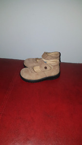 Genuine leather toddler shoes size 5.5-6 (21)