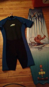 Wakeboard and wetsuit : sz med/lg