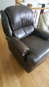 URGENT RECLINING CHAIR IN LEATHER
