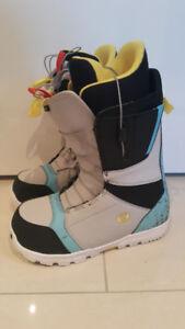Mint condition Men's BURTON snowboard boots size US9