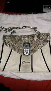 Barely Used Genuine Guess Purse /Handbag in Great Condition