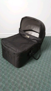 Mountain buggy stroller + carrycot very good condition