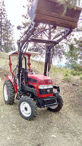 Nearly new Jinma 284 4wd with backhoe attachment