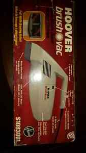 HOOVER ELECTRIC BRUSH VAC WITH 18 FOOT CORD Oakville / Halton Region Toronto (GTA) image 4