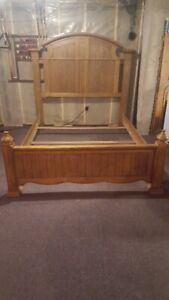 SOLID OAK QUEEN SIZE BED FRAME , WITH HEAD AND FOOT BOARDS
