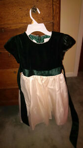 Girl's dress Kingston Kingston Area image 1