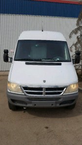 VAN CARGO-2005 DODGE SPRINTER EXTENDED HIGH ROOF Great Condition