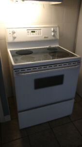 Frigidaire stove in good condition