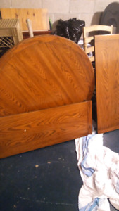 **LOWER PRICE WANT GONE**         Kitchen table chairs and bench