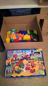 around 400-500 large mega bloks, including Megaville