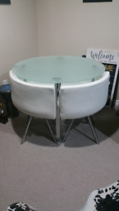 DINING SET - GLASS TOP - 4 WHITE LEATHER CHAIRS