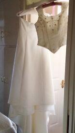 Beautiful Benjamin Roberts Wedding Dress. Size 16
