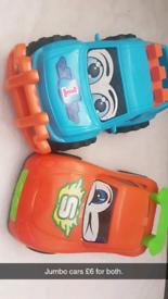 2 jumbo cars
