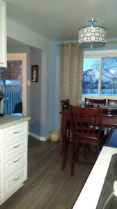 Entire House 3 Bedrooms Rent Barrie Green Space Bright Modern