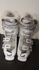 Salomon ski boots Girls size 25.5 Youth - used 5 times West Island Greater Montréal image 6