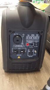 2000 Watt ultra Quiet Generator. NEW !