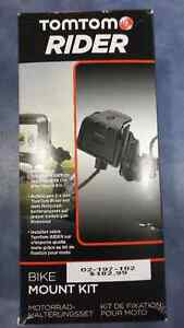 New TomTom Rider GPS charger with motorcycle mount $100