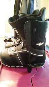Men's Burton snowboard boots size 9.5 Prince George British Columbia image 1