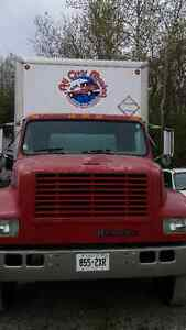 26ft 1999 International Truck & box trailer with lift/Ramp