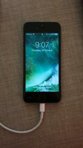 iPhone 5s 16 GB in excellent condition with charger