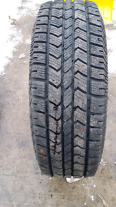 Arctic claw LT245/70R17 studded tire