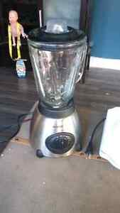 Grilled cheese maker and blender  London Ontario image 2