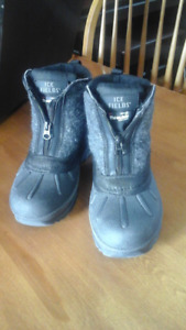 Waterproof Winter Boots, size 5-6