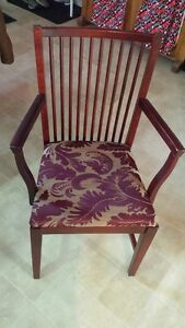 Nice mahogany coloured dinning  chairs 6 in all