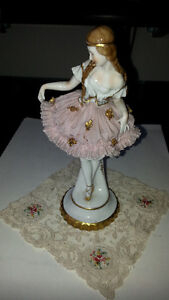 ANTIQUE PORCELAIN DOLL IN LACE SKIRT Kitchener / Waterloo Kitchener Area image 3