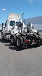 FREIGHTLINER DAYCAB TRUCK IN BRAND-NEW CONDITION FOR SALE
