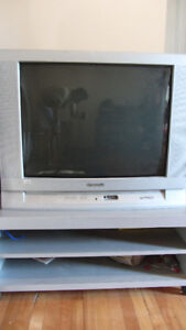 Panasonic 27 inch LCD  COLOR TV with matching TV Stand