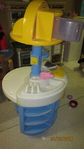 Kitchen Play Set  (Little Tikes)   with microwave,sink, stove
