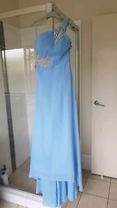Bridesmaid/formal dress size 8