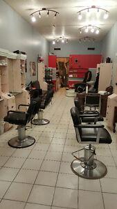 URGENT Salon de coiffure a vendre Chomedey Laval